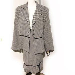 Danielle B. 2 pc Houndstooth Skirt Blazer Suit